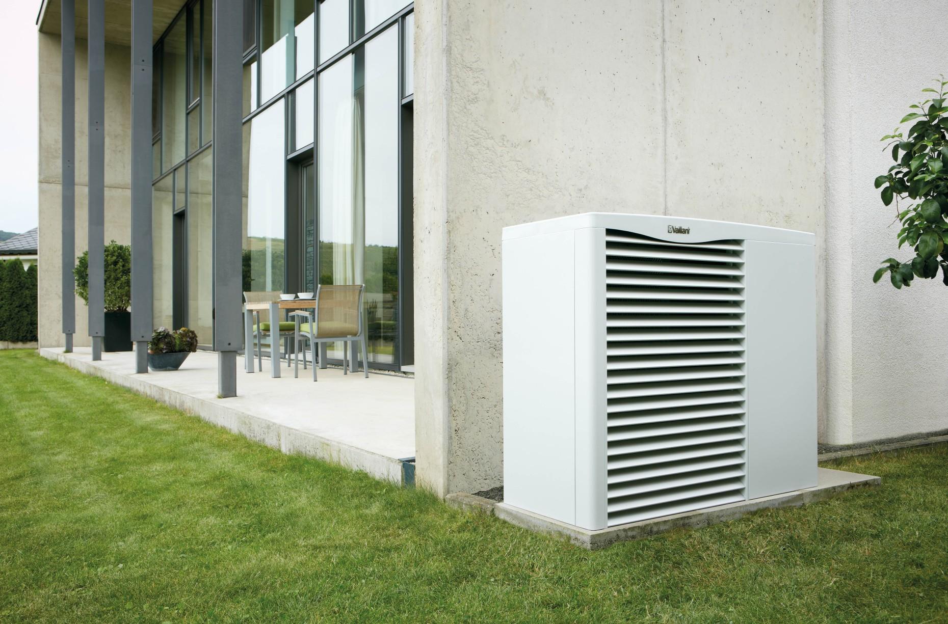 """Тепловые насосы aroTHERM типа """"воздух - вода"""" с функцией ..."""
